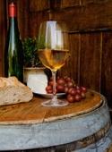 Winebreadtableistock_000001996446xsmall1